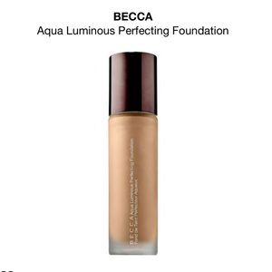 NIB BECCA Aqua Luminous Foundation - FAIR
